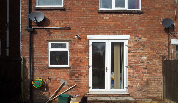 Double Glazing Leeds - Bi Folding Door 1